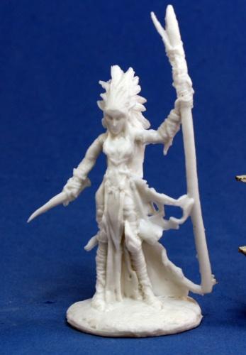 Reaper Miniatures 77121_Liela, Dark Elf Wizard_1