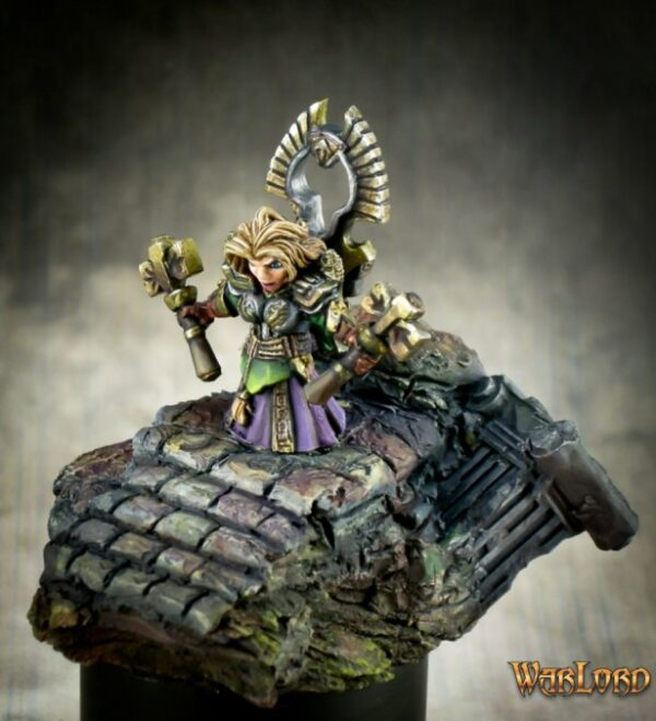 Reaper Miniatures Gwyddis, Dwarf Valkyrie 77481