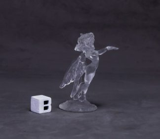 Reaper Miniatures Sylph (clear)_1