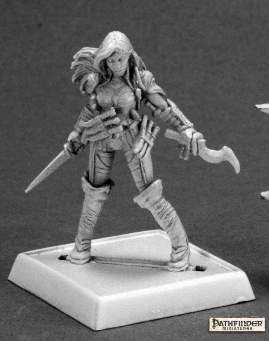 Reaper Miniatures Cleric of Calistria 60092 (metal)