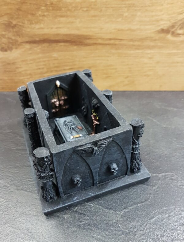 Conflix Mausoleum EM6703